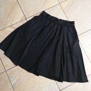 Timing | black midi skirt